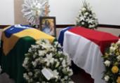 Corpos de embaixador e esposa são cremados em Salvador   Luan Borges   Ag. A TARDE