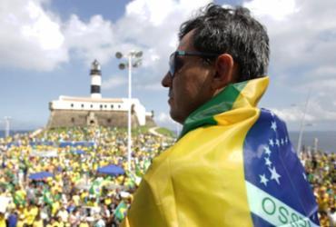 Ato pró-Bolsonaro reúne manifestantes no Farol da Barra | Uendel Galter l Ag. A TARDE