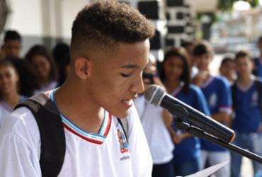 Espaços públicos de Itaberaba recebem poética estudantil