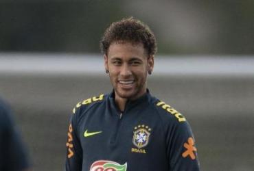 Neymar volta ao Brasil e se apresenta no sábado; Allan já está em Teresópolis |