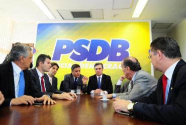 Diretório do PSDB quer expulsar tucano que se reuniu com líderes de esquerda |