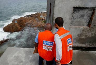 Desabamento de muro e deslizamento de terra são registrados pela Codesal | Raul Spinassé | Ag. A TARDE