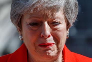 Theresa May se emociona e chora ao anunciar que deixará o cargo | Tolga Akmen l AFP