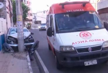 Colisão de carro em poste deixa um ferido no Vale do Canela | Reprodução | TV Bahia