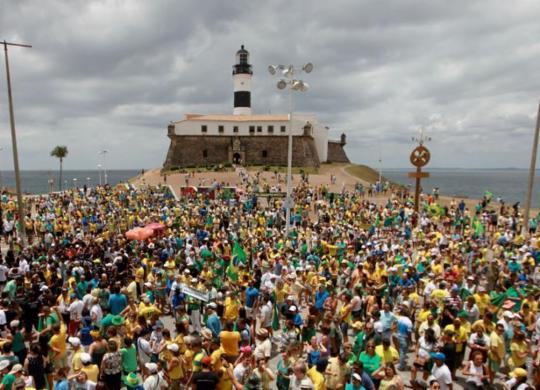 Manifestações por todo o País viram teste de apoio popular ao governo   Raul Spinassé l Ag. A TARDE