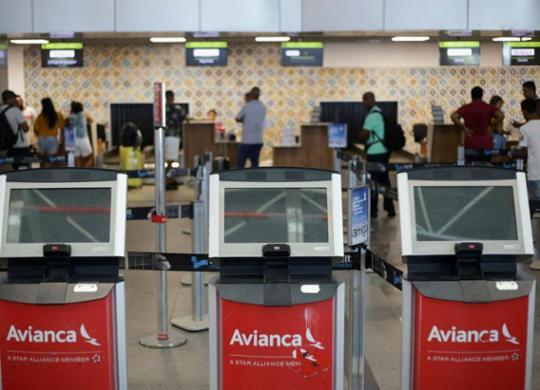 Passageiros reclamam de novos cancelamentos de voos da Avianca | Raphael Müller | Ag. A TARDE