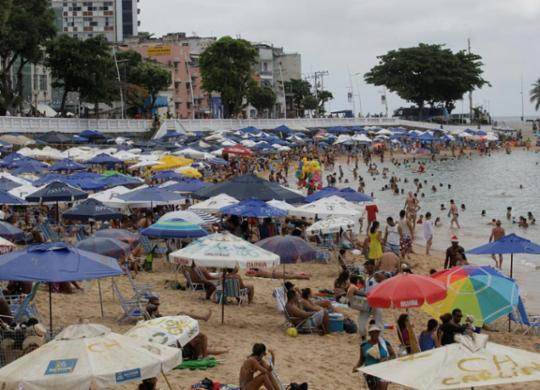 Saiba quais praias estão impróprias para banho neste final de semana | Alessandra Lori | Ag. A TARDE