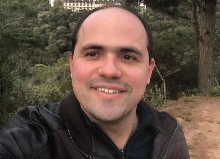 Ginecologista Orcione F. Guimarães Jr. atende em unidades nas redes pública e privada (Foto: Reprodução | Instagram)