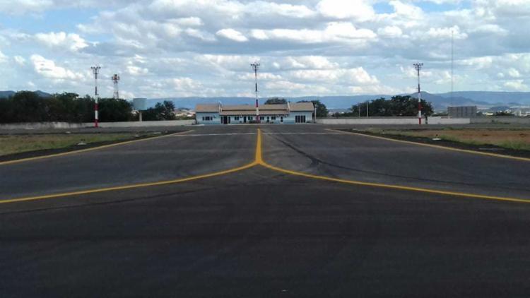 A restauração do Aeroporto de Guanambi visou aumentar a resistência da área de movimentação de aeronaves para possibilitar a sua operação com aviação regular para receber voos comerciais - Foto: Divulgação