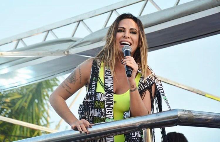 Alinne ganhou prêmio por votação popular - Foto: Sara Silva   Divulgação