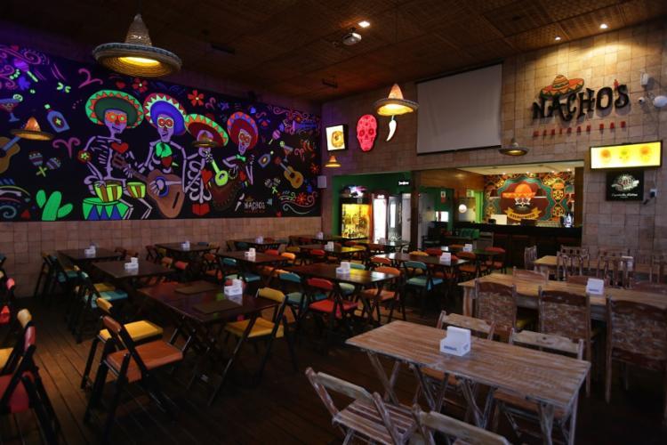 O combo 'Eita Puerra' vem com nachos, burritos, tacos, flautas, coxinhas de frango e batatas e sai por R$ 110 - Foto: Uendel Galter | Ag. A TARDE