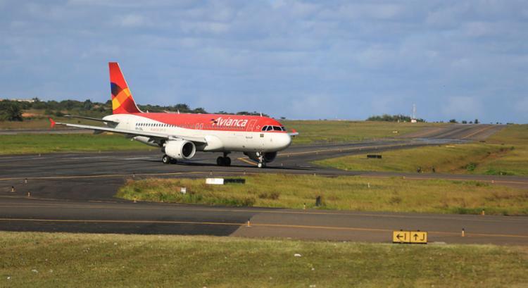 A companhia tem cancelado sistematicamente a maioria de suas decolagens desde o meados de abril - Foto: Joá Souza | Ag. A TARDE