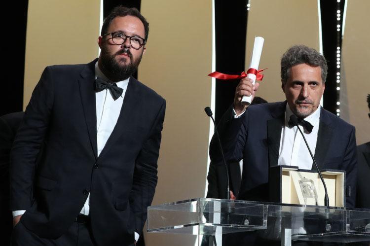 Os diretores Juliano Dornelles e Kleber Mendonca Filho, que venceram o Prêmio do Júri no Festival de Cannes com o filme 'Bacurau' - Foto: Valery Hache l AFP