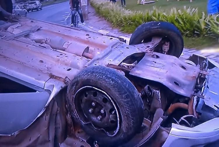 O acidente ocorreu após uma tentativa de ultrapassagem e deixa o trânsito intenso na região - Foto: Reprodução | TV Record