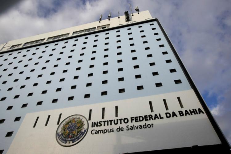 Instituto Federal da Bahia, localizado no Barbalho, também foi atingido pelo bloqueio - Foto: Adilton Venegeroles | Ag. A TARDE
