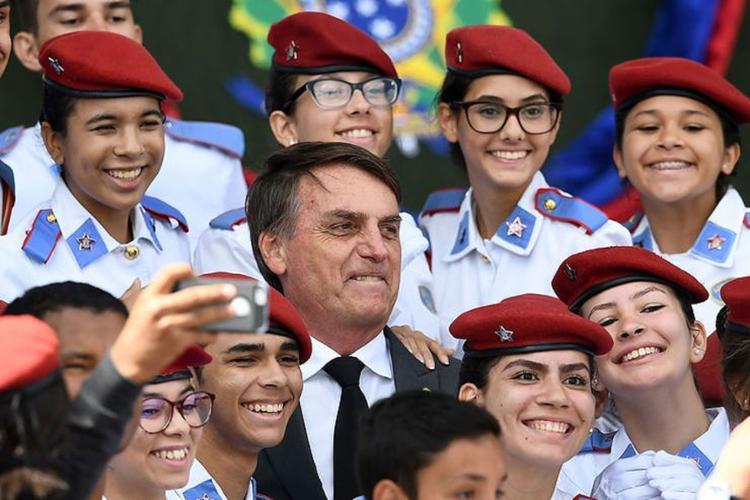 Presidente Bolsonaro durante visita a colégio militar de Brasília - Foto: Reprodução