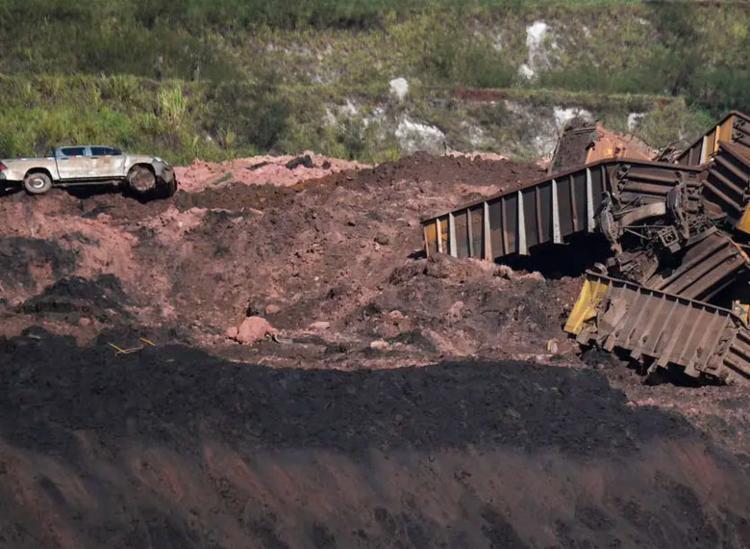 Rompimento de barragem deixou 245 mortos e 25 desaparecidos - Foto: Mauro Pimentel | AFP