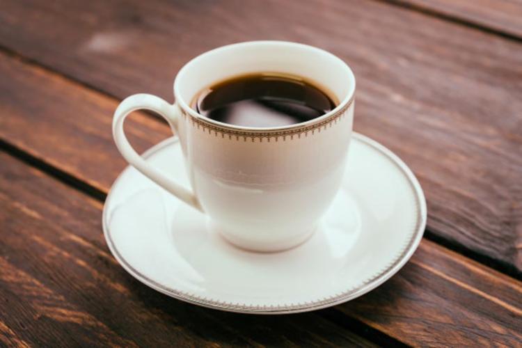 Cafeína presente na bebida é potencialmente útil como reguladora do peso corporal - Foto: Ilustração | Freepik