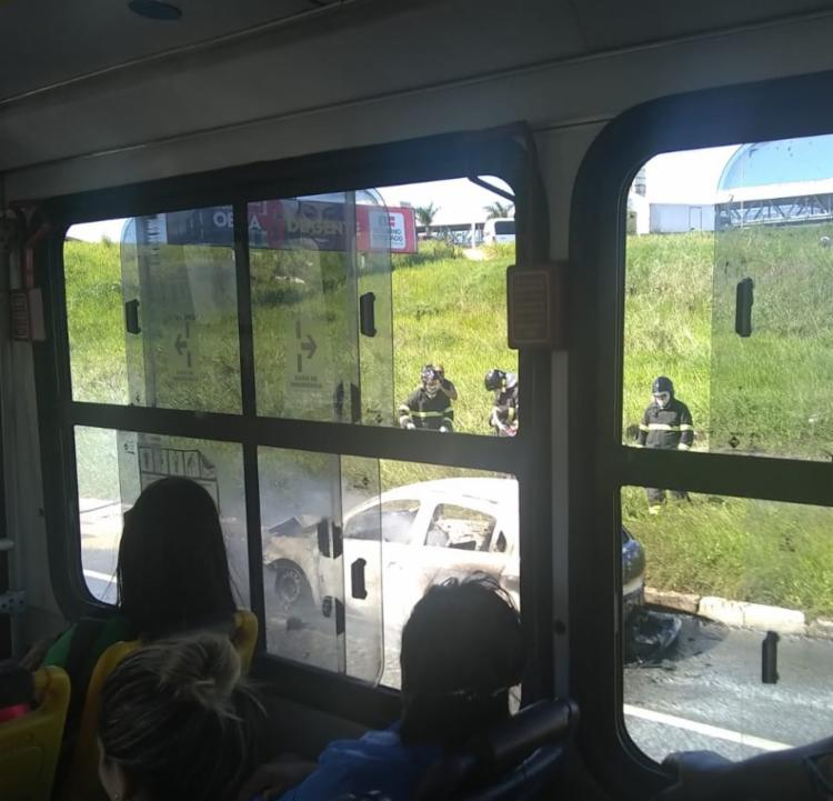 O acidente aconteceu por volta das 13h30, na região da Estação Pirajá, sentido Brasil Gás - Foto: Cidadão Repórter