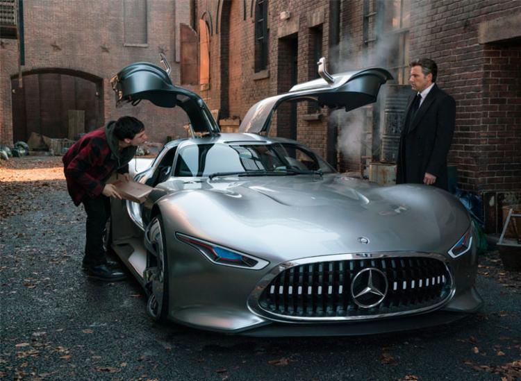 Mercedes-Benz Vision Gran Turismo é o carro do Batman - Foto: Divulgação