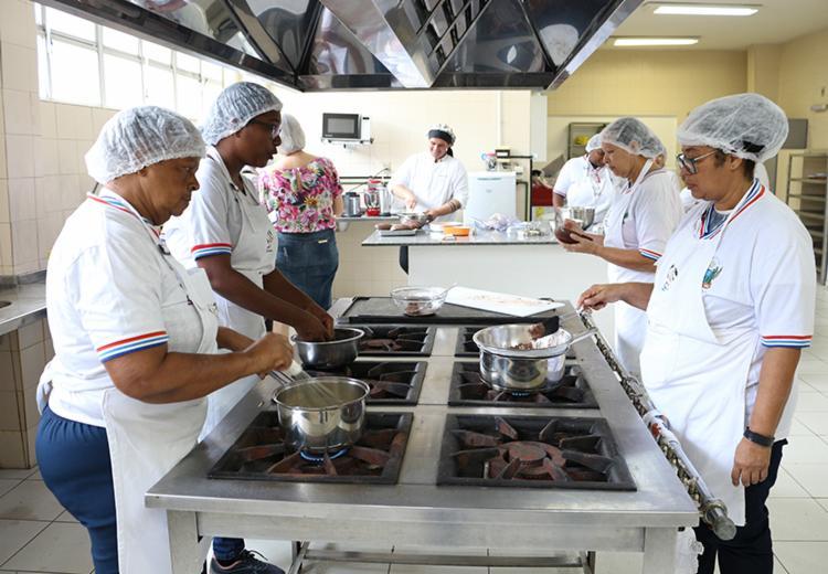 As inscrições para o concurso Masterchef de pratos culinários feitos com a carne do sol terminam nesta quarta-feira - Foto: Claudionor Jr./GOVBA