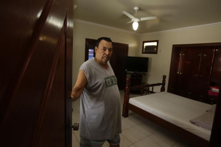 Pelo 6º ano, Cláudio aluga sua casa de quatro quartos - Foto: Joá Souza l Ag. A TARDE