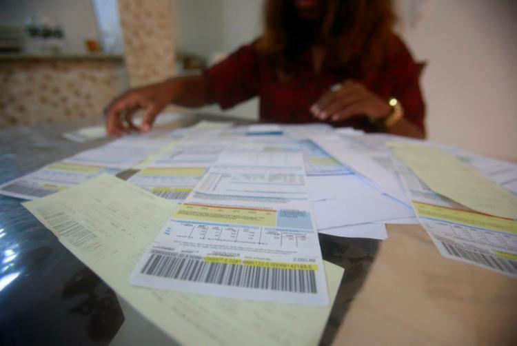 Em maio, as tarifas estavam com a bandeira amarela, com uma taxa extra de R$ 1,00 a cada 100 quilowatts-hora (kWh) consumidos. - Foto: Reprodução