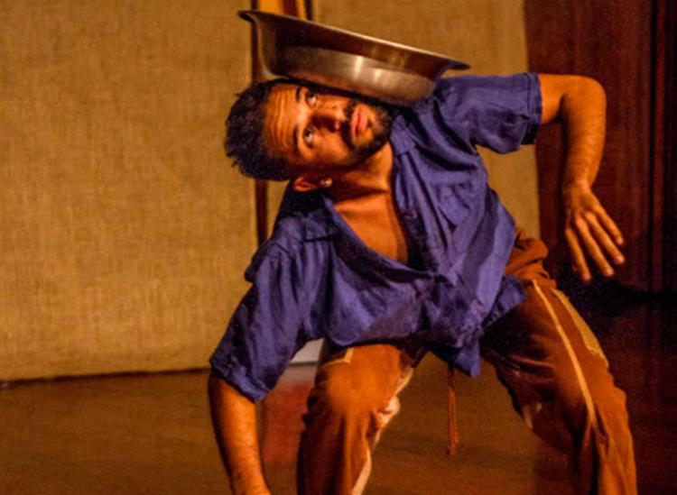 Espetáculo Abraço que vós me nordestes (SP) faz parte da programação - Foto: Divulgação   Raoni Reis