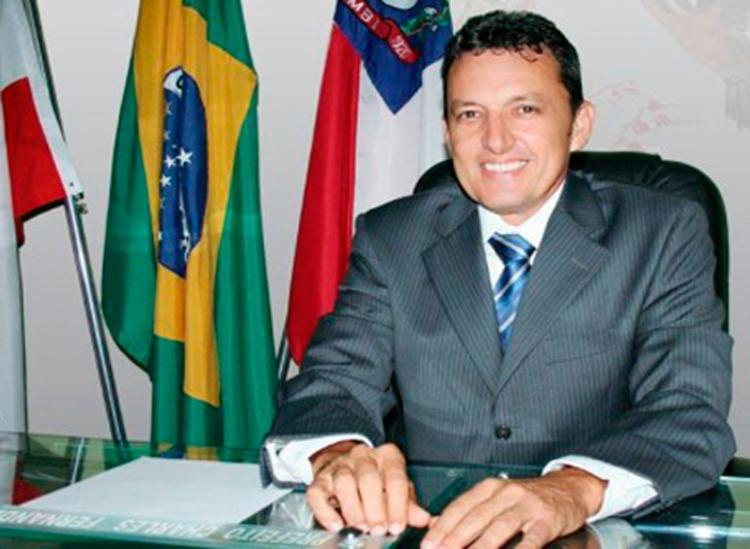 Ex-prefeito de Guanambi é suspeito de desviar mais de R$ 400 mil da educação - Foto: Reprodução   SudoesteBahia