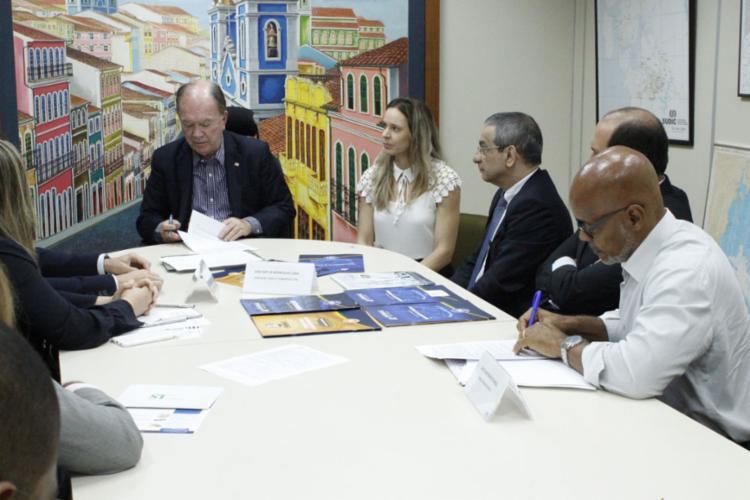 Três empresas assinaram nesta quarta-feira (22) protocolos de intenções na Secretaria de Desenvolvimento Econômico do Estado (SDE) - Foto: Divulgação/Ascom SDE