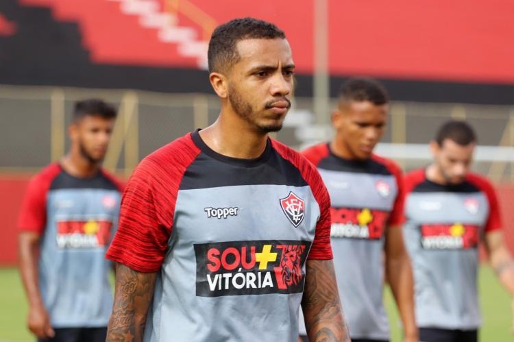 Matheus Augusto já treinou na manhã desta quinta com o restante do elenco - Foto: Maurícia da Matta | EC Vitória