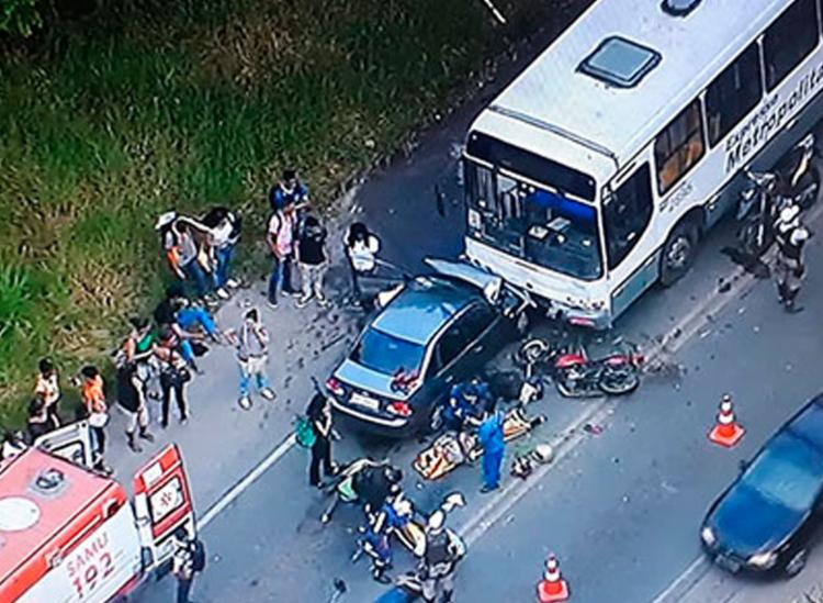 Acidente aconteceu por volta das 7h, próxima a região da Pedreira Civil - Foto: Reprodução | TV Record Bahia