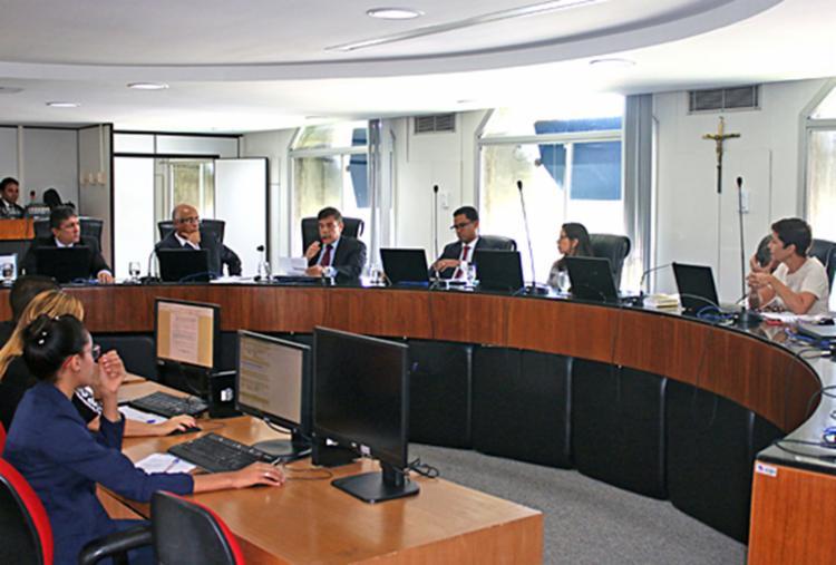Sessão ordinária do TCE teve como objeto esclarecer o convênio feito entre as fundações - Foto: Divulgação   TCE-BA