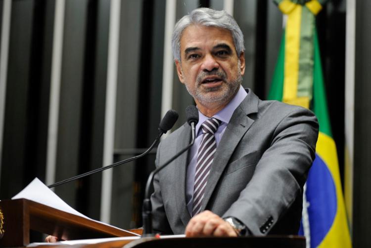 Senador afirmou que a Casa poderá discutir as denúncias envolvendo o senador Flávio Bolsonaro - Foto: Moreira Mariz | Agência Senado