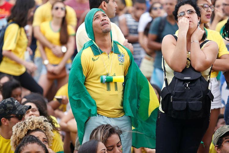 Fãs limitam o número de jogos que vão assistir de olho na conta final - Foto: Tiago Caldas | Ag. A Tarde
