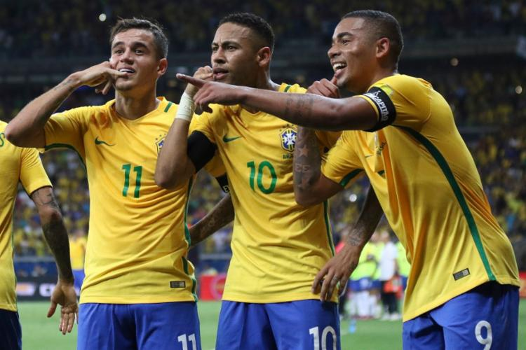 Coutinho, Neymar e Jesus mantiveram a numeração que utilizaram na Olimpíada e na Copa do Mundo - Foto: Pedro Martins | MoWA Press