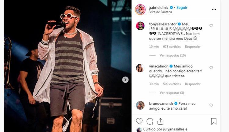 Tony Salles e Vina Calmon deixaram seus comentários em última foto publicada pelo cantor