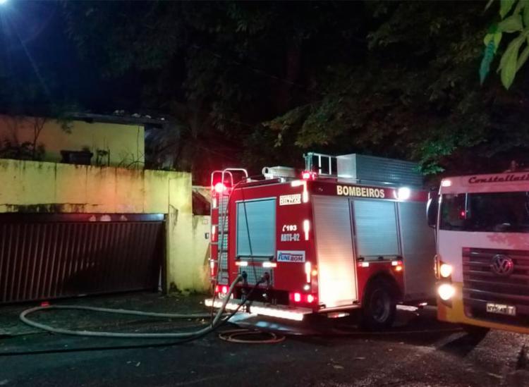 Foram utilizadas seis viaturas de combate a incêndios e uma do Salvar - Foto: Divulgação | CBMBA