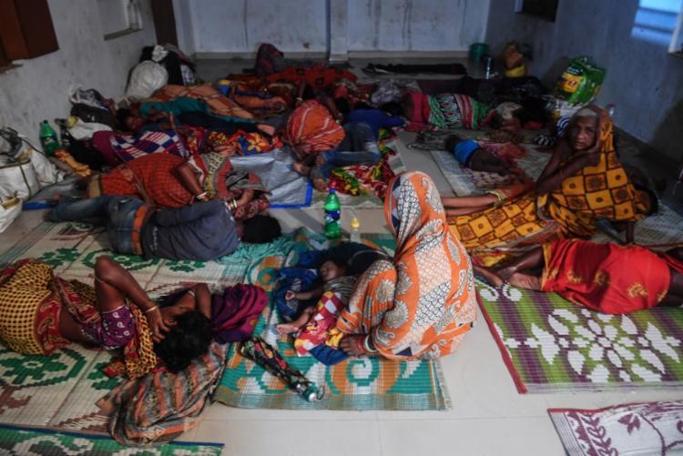 Autoridades ordenaram a retirada de mais de 1 milhão de pessoas - Foto: Dibyangshu Sarkar | AFP