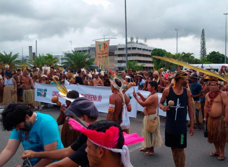 Grupo reivindica por direito à terra, saúde e educação de qualidade - Foto: Felipe Ribeiro | Ag. A TARDE