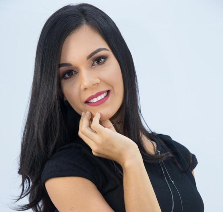 Jamille Paz é especialista em maternidade