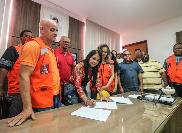 Prefeita de Lauro de Freitas, Moema Gramacho, decreta situação de emergência - Foto: Divulgação