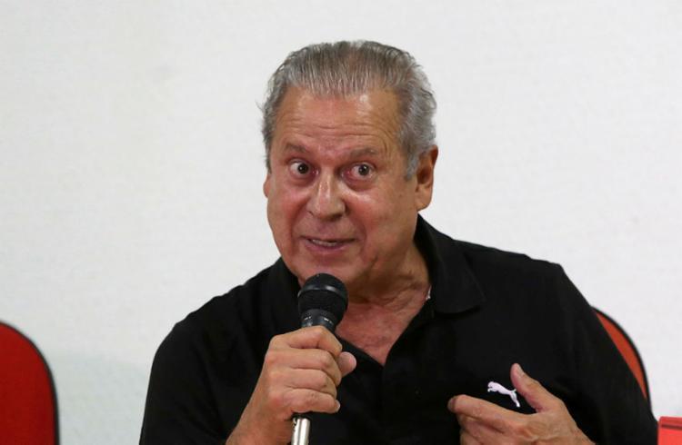 José Dirceu deve se apresentar para cumprimento de pena de 8 anos e 10 meses de prisão - Foto: Luciano Carcará   Ag. A TARDE