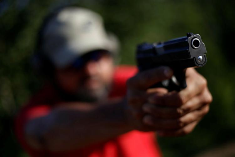 Questionado por juristas, decreto sobre armas agrada praticantes de tiro