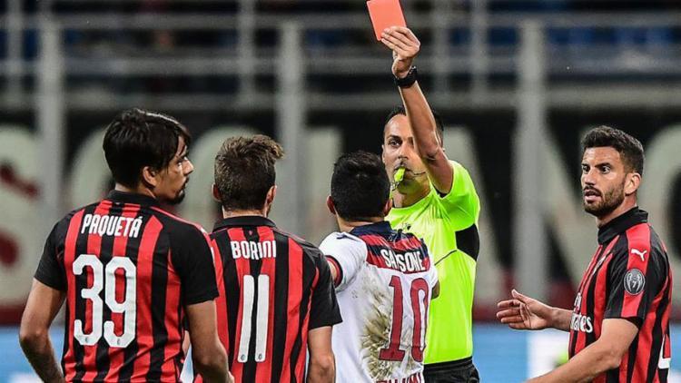 Lucas Paquetá é expulso na partida Milan x Bologna pelo Campeonato Italiano - Foto: Miguel Medina l AFP