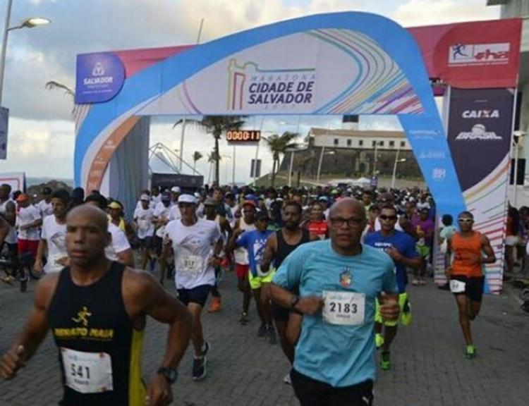 Maratona tem largada e chegada no Farol da Barra - Foto: Reprodução | Instagram