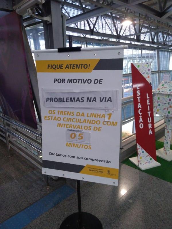 Clientes estão sendo informados por meio de banners | Foto: Gabriel Andrade | Cidadão Repórter | Via WhatsApp