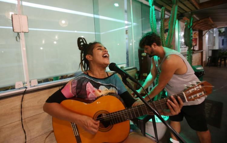 A cantora Bruna Barreto participou do The Voice Brasil em 2013 - Foto: Adilton Venegeroles / Ag. A TARDE