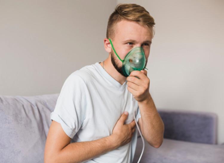 Ação é destina para pessoas com sintomas de tosse, infeccções respiratórias e fumantes - Foto: Divulgação | Freepik