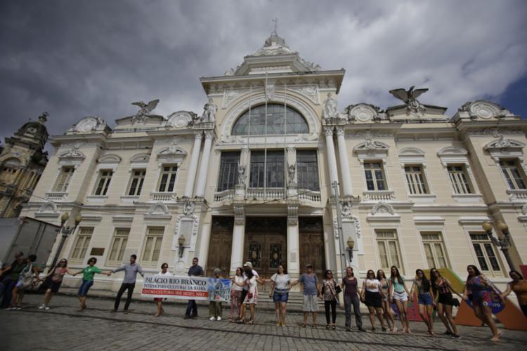 Protesto teve participação de arquitetos e transeuntes - Foto: Joá Souza l Ag. A TARDE